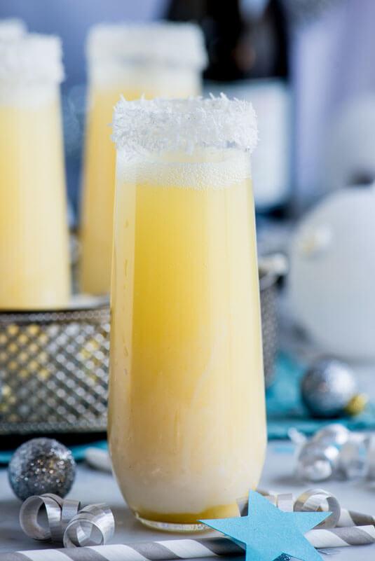 53a0606cb8ba9_-_cos-06-pineapple-coconut-champagne-de